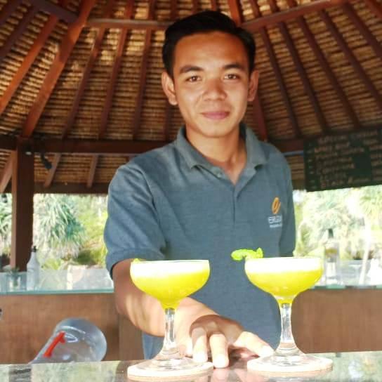 Barman & Waiter at Eragon Pandawa Resort, Gili Trawangan