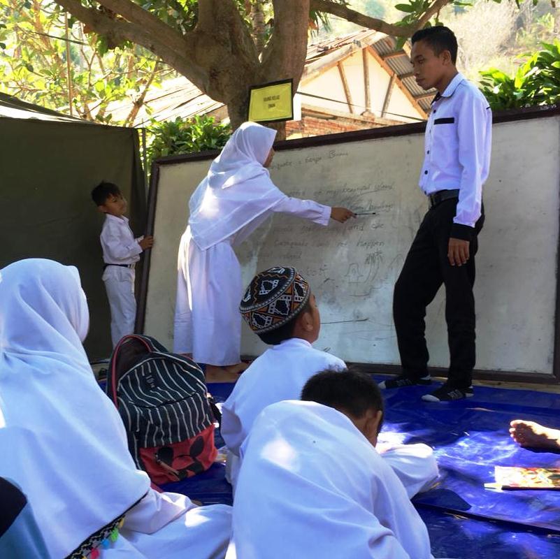 English Teacher & Tour Guide, at Elementary School Riyadlul Wardiyah Kerandangan